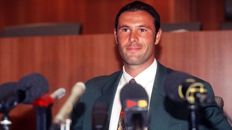 Jean-Marc Bosman défendant sa cause devant la presse il y a vingt-ans