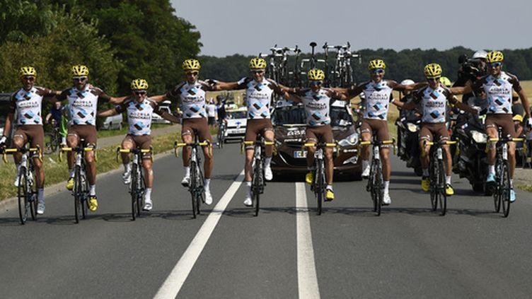 L'équipe AG2R La Mondiale a réussi sa saison, aussi bien individuellement (victoire sur Paris-Nice, podium sur le Tour), que collectivement (meilleure équipe de la Grande Boucle). (ERIC FEFERBERG / AFP)
