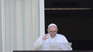 Le pape Françoisrécite l'Angelus depuis l'hôpital, le 11 juillet 2021 à Rome (Italie). (FILIPPO MONTEFORTE / AFP)