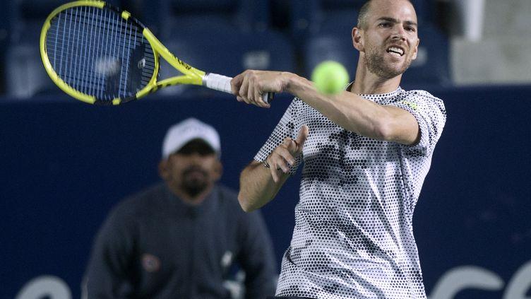 Adrian Mannarino s'est logiquement qualifié pour le deuxième tour de l'US Open. (JULIO CESAR AGUILAR / AFP)