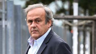 Michel Platini arrivant au siège du Minstère public de la Confédération à Berne (Suisse), lundi matin. (FABRICE COFFRINI / AFP)
