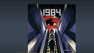 """Sur le plateaudu23 heures,lajournalisteAnne-MarieRevolprésente la sélection coup de cœur deFranceinfo:""""1984"""" adaptée par Xavier Coste et """"Là où nous dansions""""deJudith Perrignon. (France Info)"""