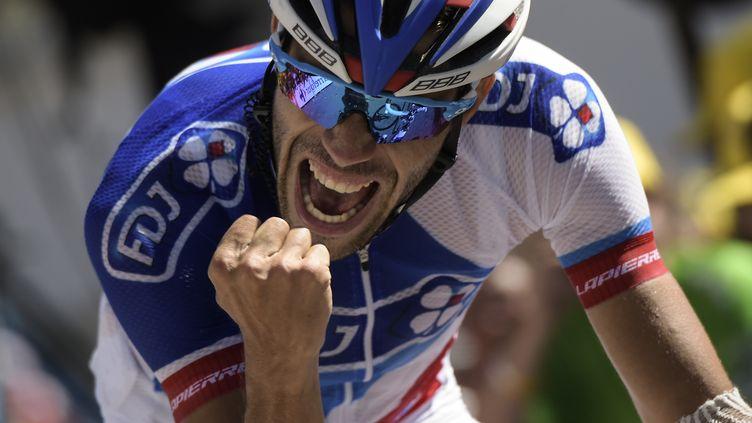 Le Français Thibaut Pinot lors de sa victoire d'étape à L'Alpe d'Huez, samedi 25 juillet, lors du Tour de France 2015. (LIONEL BONAVENTURE / AFP)
