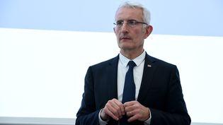Le PDG de la SNCF, Guillaume Pepy, lors d'une conférence de presse à Saint-Denis (Seine-Saint-Denis), le 27 février 2018. (ERIC PIERMONT / AFP)