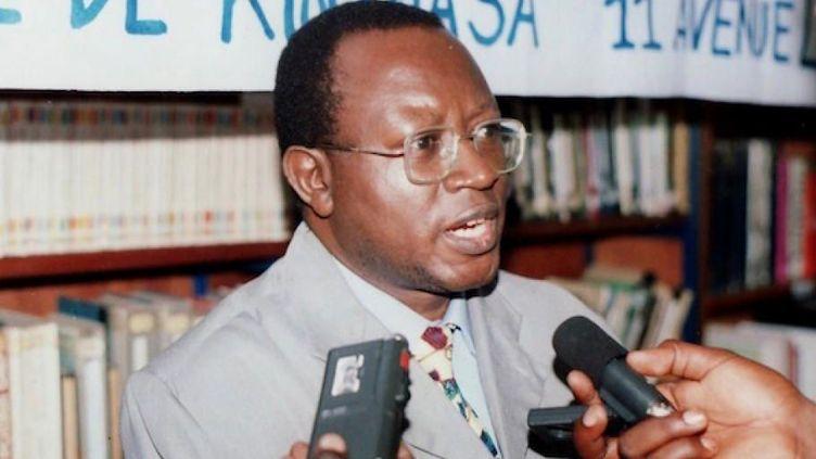 Le militant des droits de l'Homme congolais assassiné, Floribert Chebeya, lors d'une conférence de presse au siège de l'ONG La Voix des sans voix, à Kinshasa. (Photo/Reuters)
