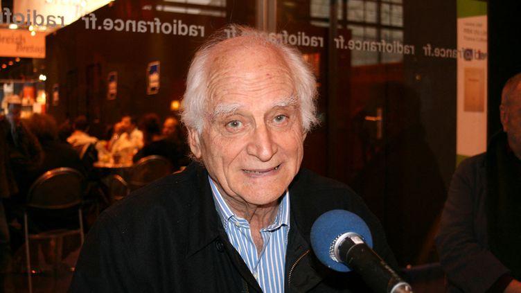 Michel Serres au Salon du livre de Paris, en 2007. (CATHERINE GRAIN / RADIO FRANCE)