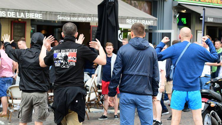 Les hooligans russes et anglais se sont à nouveau affrontés à Lille (LEON NEAL / AFP)