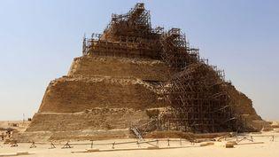 Échaffaudages sur la pyramide de Djoser (16 septembre 2014)  (Mohamed El-Shahed)