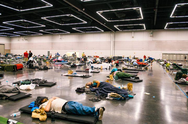 Un centre de rafraîchissement, à Portland, dans l'Oregon (nord-ouest des Etats-Unis), le 28 juin 2021. (Kathryn Elsesser / AFP)