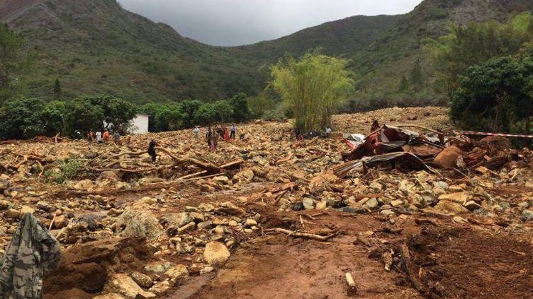 Le site où s'est produit un glissement de terrain à Houaïlou, en Nouvelle-Calédonie,mard 22 novembre 2016. (MARGUERITE POIGOUNE / NC1ERE)