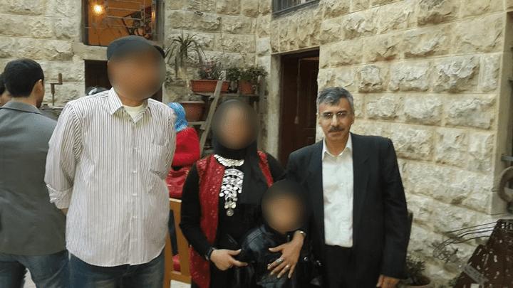 Capture écran d'une photo de Nizar Hamada, en famille, postée sur Facebook en mars 2014. (FACEBOOK)
