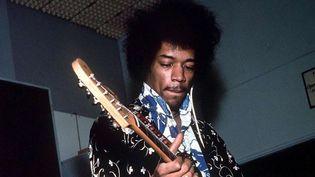 Jimi Hendrix en studio en 1967 à Londres.  (Bruce Fleming/REX/SIPA)