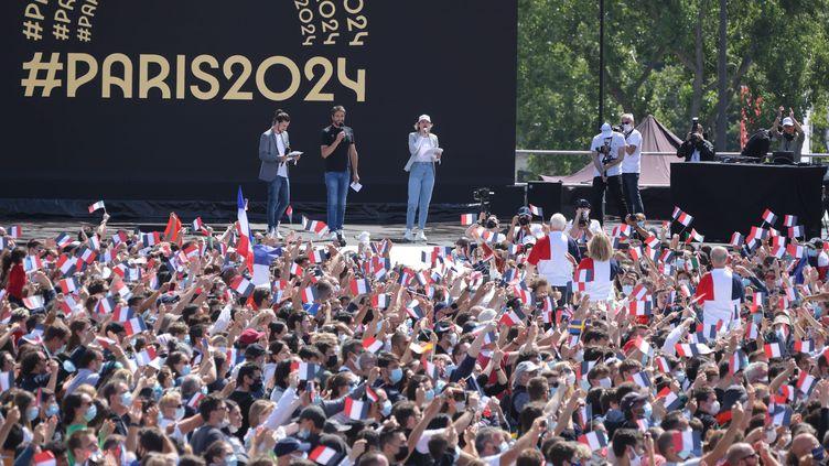 Cérémonie de clôture des Jeux olympiques de Tokyo au Trocadéro à Paris le 8 août 2021. (PH LAVIEILLE / MAXPPP)