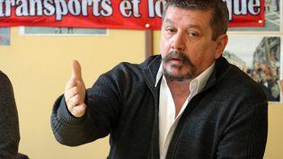 Patrice Clos, Sécrétaire général de FO transports et logistique, à Calais (Pas-de-Calais), le 18 février 2017. (MAXPPP)