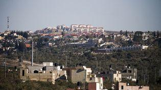 Ariel est une colonie sans véritable charme, qui s'étire sur des kilomètres de colines en Cisjordanie. (JAAFAR ASHTIYEH / AFP)