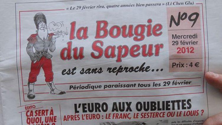 """La Une du numéro 9 de la """"Bougie du Sapeur""""  (AFP / Pierre Verdy)"""