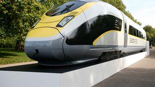 Le groupe allemand Siemens fournira les trains et le système de signalisation de la future ligne à grande vitesse égyptienne. TGV Siemens, Londres, le 7 octobre 2010. (BEN STANSALL / AFP)