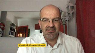 Damien Mascret, médecin généraliste, répond à vos questions posées sur le hashtag #OnVousRépond. (FRANCEINFO)