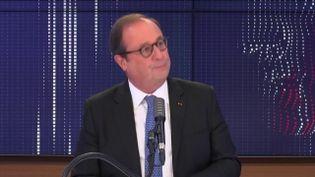 """François Hollande,ancien président de la République était l'invité du """"8h30 franceinfo"""", mardi 28 octobre 2020. (FRANCEINFO / RADIOFRANCE)"""
