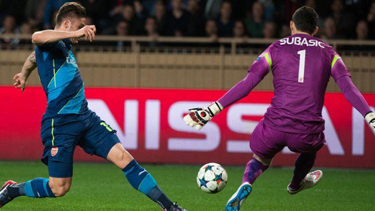 Danijel Subasic a sorti un arrêt décisif en fin de match.  (BERTRAND LANGLOIS / AFP)
