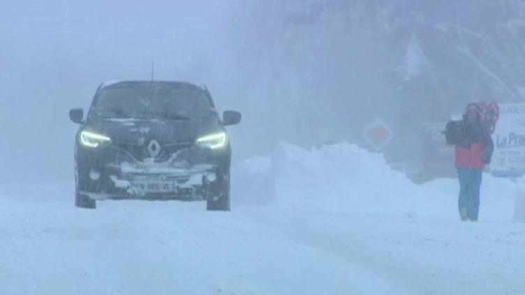 Tempête Bella : des chutes de neige exceptionnelles (France 3)
