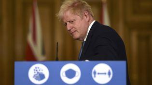 Le Premier ministre Boris Johnson lors d'une conférence de presse, à Londres, vendredi 16 octobre 2020. (AFP)