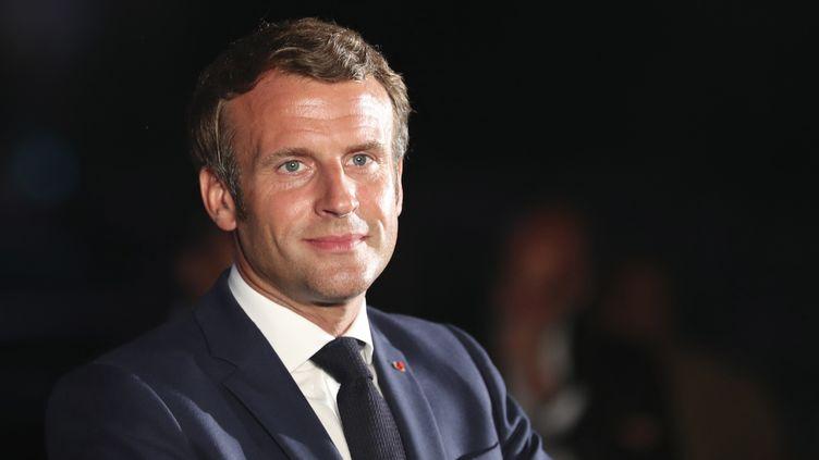 Le président français, Emmanuel Macron, lors d'un discours à Beyrouth, au Liban, le 6 août 2020. (THIBAULT CAMUS / POOL / AFP)