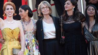 """Françoise Nyssen le 12 mai à Cannes, avant la projection """"Les filles du soleil""""  (VILLARD/NIVIERE/SIPA)"""