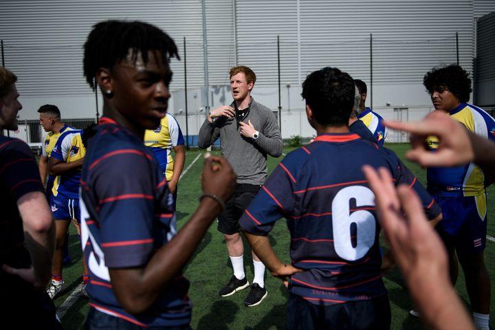 Le rugby fait partie des sports sourds collectifs. (BRENDAN SMIALOWSKI / AFP)