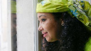 La romancièreDjaïli Amadou Amal à Paris, le 11 novembre 2020. (CELINE VILLEGAS / HANS LUCAS)