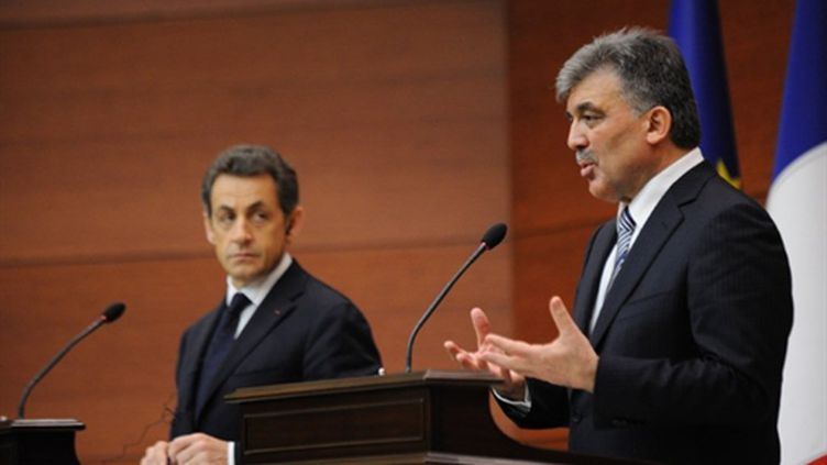 Abdullah Gül et Nicolas Sarkozy à Ankara (25/02/2011) (AFP / Eric Feferberg)