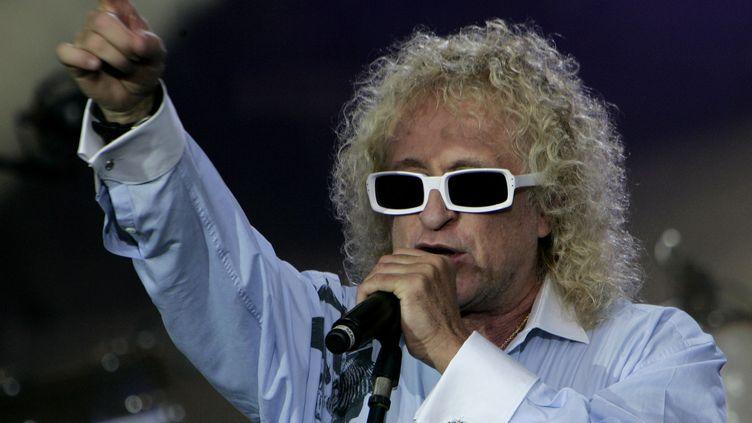 Michel Polnareff, le 14 juillet 2007, place de la Bastille à Paris. (MICHEL EULER / AFP)