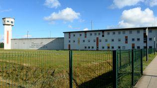 Le détenu s'est finalement rendu, après avoir pris en otage deux gardiens de prison, à Condé-sur-Sarthe, mardi 5 octobre 2021. (JEAN-FRANCOIS MONIER / AFP)