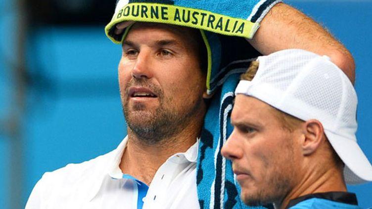 Le futur ex-capitaine de Coupe Davis australien Patrick Rafter et son successeur Lleyton Hewitt