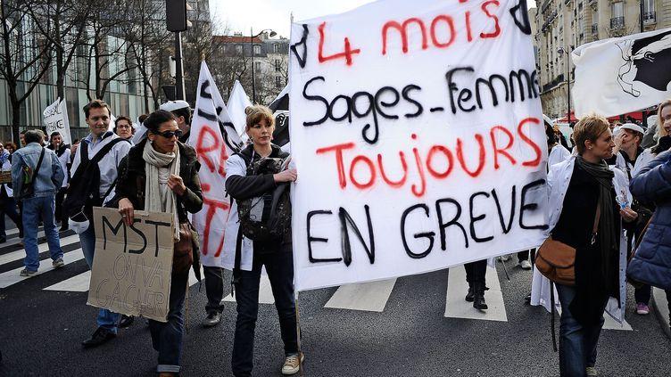 Dernière manifestation des sages-femmesà Paris, le 19 février 2014 (MEUNIER AURELIEN / SIPA)
