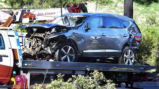 La voiture de Tiger Woods après son accident, le 23 février 2021 (FREDERIC J. BROWN / AFP)