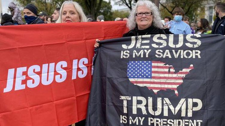 Desévangéliques rassemblés sur le Mall à Washington DC pour un concert derock chrétien,le 25 octobre 2020. (GREGORY PHILIPPS / RADIO FRANCE)
