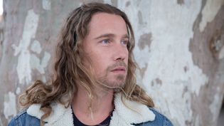 Le chanteur Julien Doré le 28 août 2020 à Lunel (Hérault). (FRED DUGIT / MAXPPP)