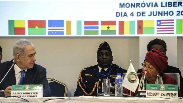 Le Premier ministre israélien benjamin Netanyahu et la présidente libérienne Ellen Johnson Sirleaf au sommet des chefs d'Etat africains à Monrovia (4 juin 2017). (Afp/ Zoom Doso)