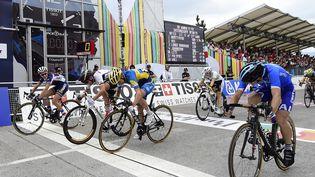 La Française Pauline Ferrand-Prévot (1ère à gauche) remporte le championnat du monde de cyclisme sur route 2014 disputé à Ponferrada, en Espagne. (JAVIER SORIANO / AFP)