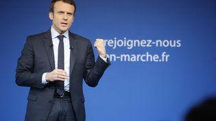 Le candidat d'En marche!, Emmanuel Macron, lors d'un meeting à Saint-Priest-Taurion (Haute-Vienne), le 25 février 2017. (PASCAL LACHENAUD / AFP)
