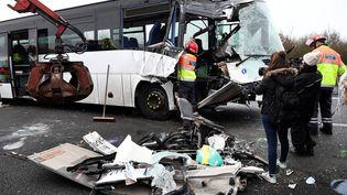 Le carambolage survenu le 30 janvier sur l'A13 a fait 35 blessés. (LIONEL BONAVENTURE / AFP)
