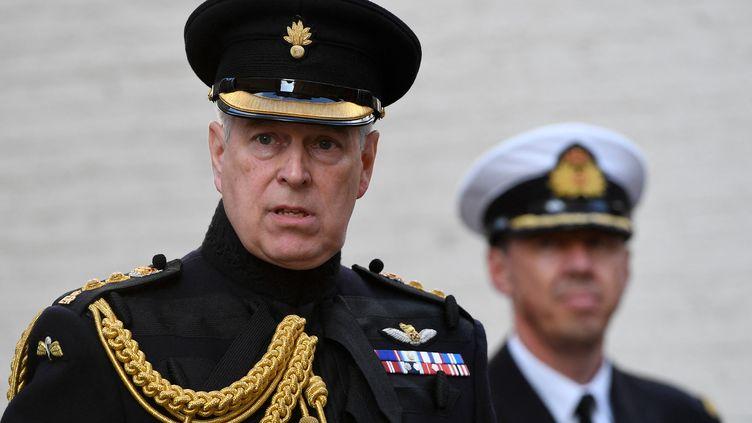 Le prince Andrew, duc d'York, lors d'une de ses dernières apparitions officielles en tant que représentant de la couronne du Royaume-Uni, lors d'une commémoration à Bruges (Belgique), le 7 septembre 2019. (JOHN THYS / AFP)