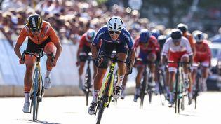 L'Italienne Elisa Balsamoa remporté la course en ligne des championnats du monde, le 25 septembre 2021. (KENZO TRIBOUILLARD / AFP)