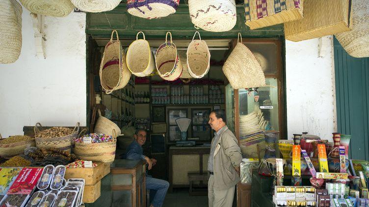 Souk de Tunis, le 19 octobre 2011. (LIONEL BONAVENTURE / AFP)
