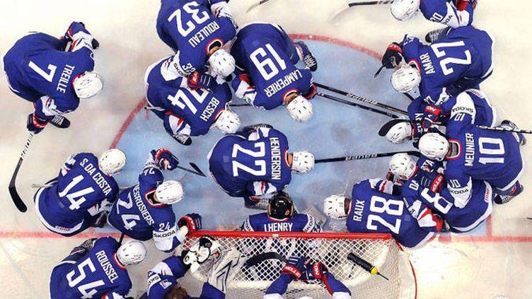 L'équipe de France en plein briefing d'avant match.