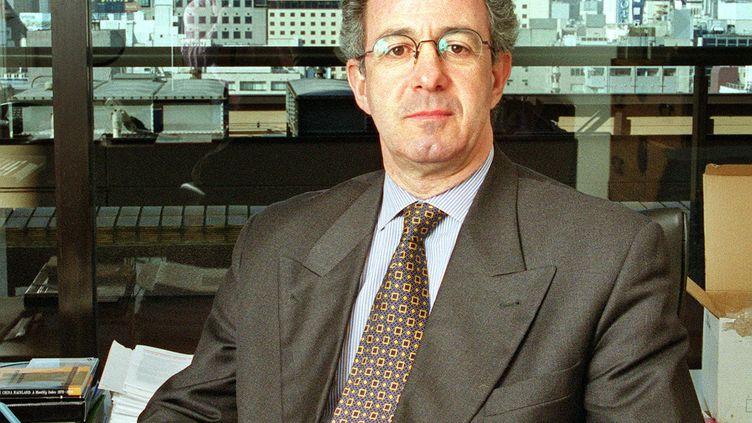 Philippe Riès dans son ancien bureau de l'AFP à Tokyo au Japon, le 5 janvier 1999. (TOSHIFUMI KITAMURA / AFP)