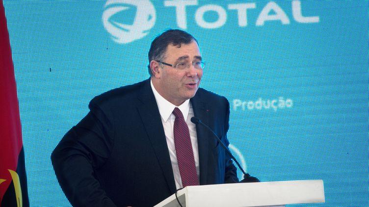 LePdg de Total Patrick Puyanne a mené une négociation éclair et discrète pour acquérir les actifs africains du groupe pétrolier américain Anadarko. Photo prise le 10 novembre 2018 à Luanda, capitale de l'Angola. (RODGER BOSCH / AFP)