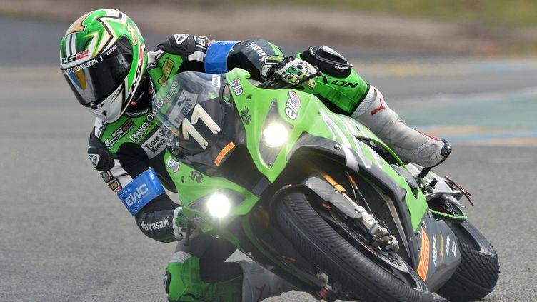 Grégory Leblanc au guidon de la Kawasaki N.11, vainqueur des 24h du Mans pour la 5e fois en 2016 (JEAN-FRANCOIS MONIER / AFP)