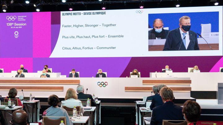 Le CIO dévoile la nouvelle devise olympique lors de sa 138e session, le 21 juillet 2021 à Tokyo (Japon). (GREG MARTIN / CIO)